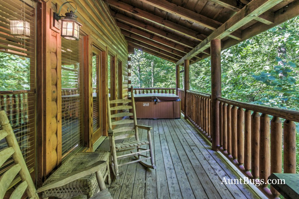 Photo of a Gatlinburg Cabin named Shamrock Lodge #215 - This is the twenty-sixth photo in the set.