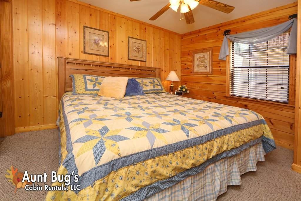 Photo of a Pigeon Forge Cabin named Smoky Mountain Getaway #435 - This is the seventeenth photo in the set.