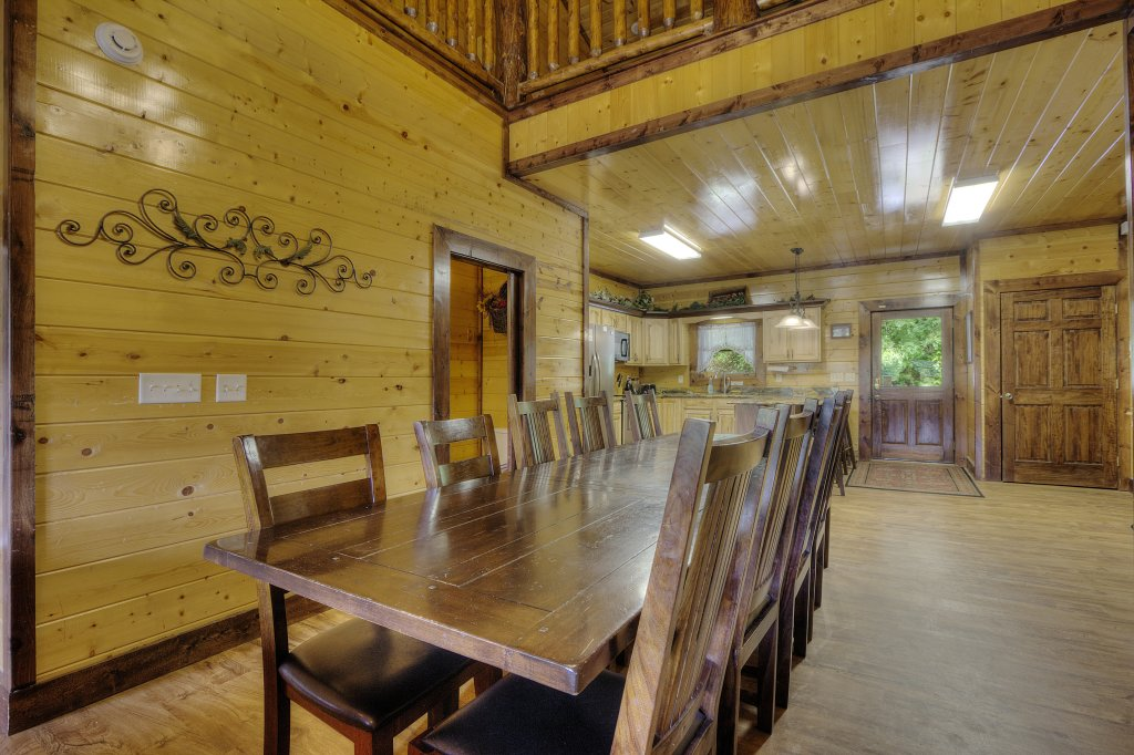Photo of a Gatlinburg Cabin named Mystical Creek Pool Lodge #600 - This is the forty-third photo in the set.