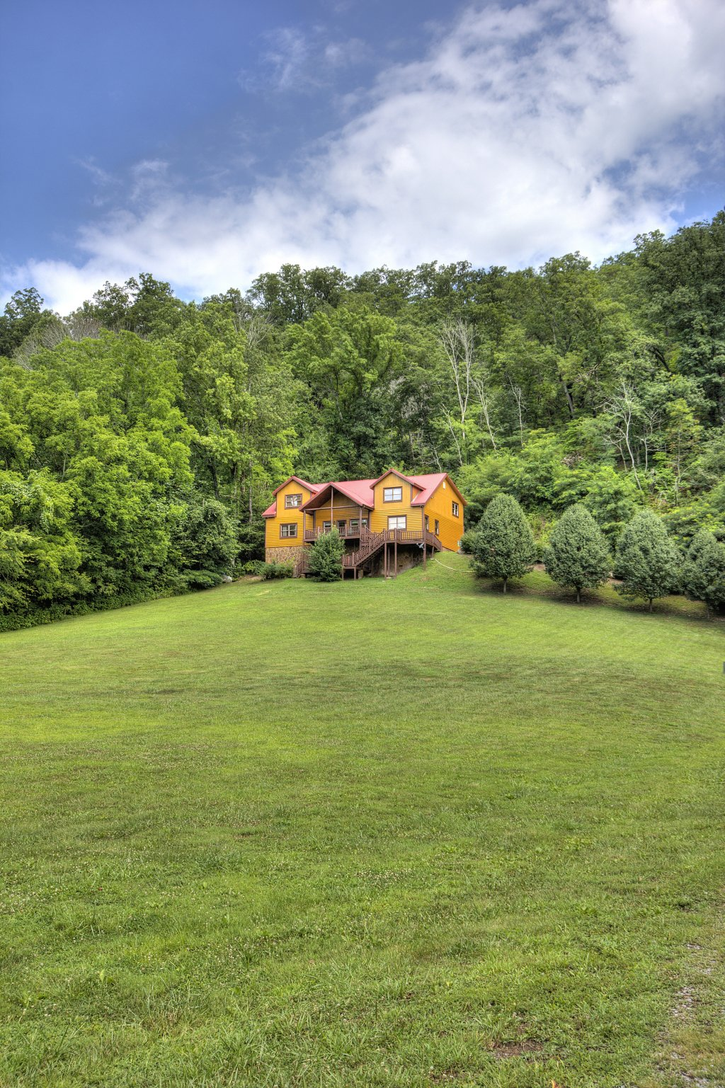 Photo of a Gatlinburg Cabin named Mystical Creek Pool Lodge #600 - This is the sixty-third photo in the set.