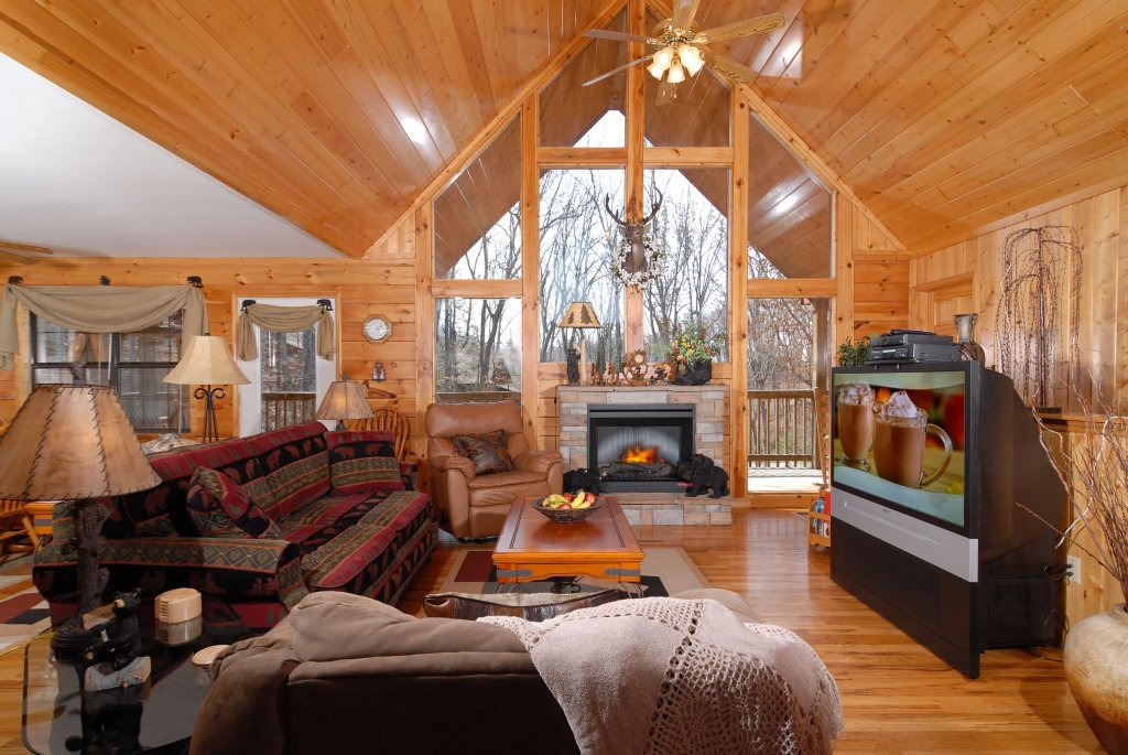 Photo of a Pigeon Forge Cabin named Smoky Mountain Getaway #435 - This is the thirty-second photo in the set.
