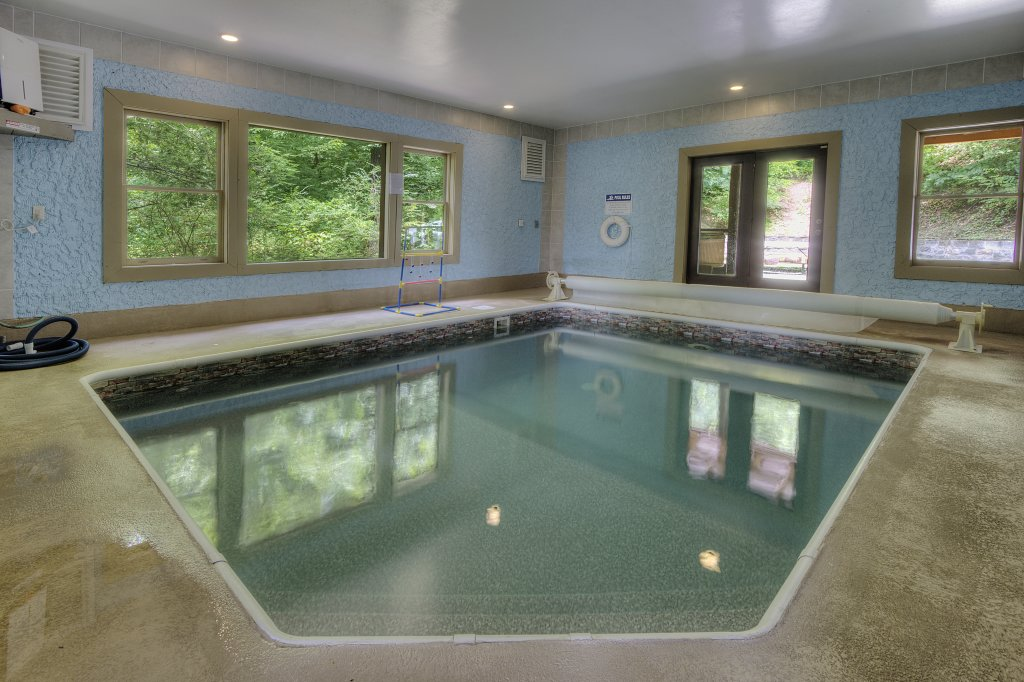 Photo of a Gatlinburg Cabin named Mystical Creek Pool Lodge #600 - This is the thirty-third photo in the set.