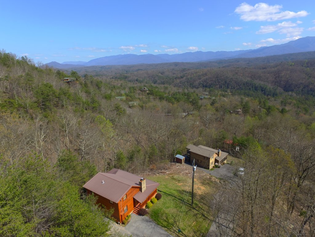 Photo of a Pigeon Forge Cabin named Grandpa Bear's View #233 - This is the twenty-fifth photo in the set.