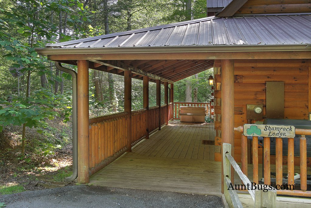 Photo of a Gatlinburg Cabin named Shamrock Lodge #215 - This is the twelfth photo in the set.