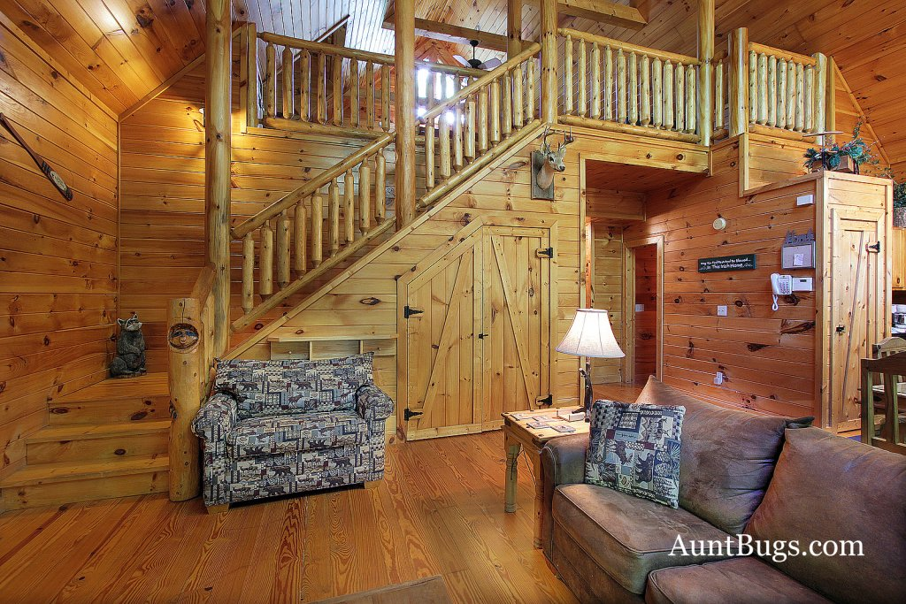Photo of a Gatlinburg Cabin named Shamrock Lodge #215 - This is the eleventh photo in the set.