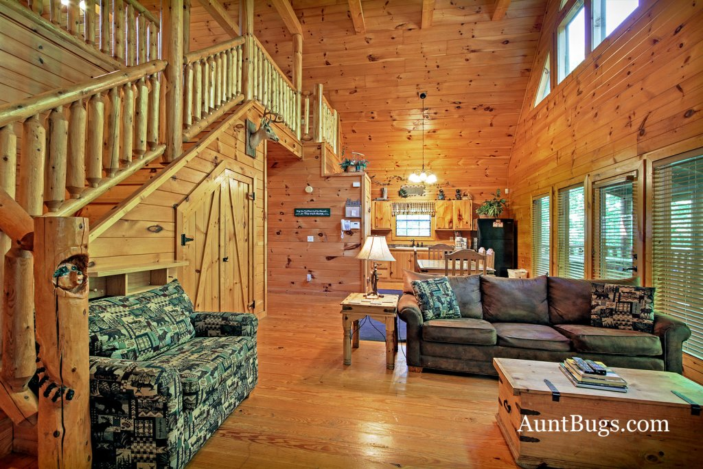 Photo of a Gatlinburg Cabin named Shamrock Lodge #215 - This is the twenty-fifth photo in the set.