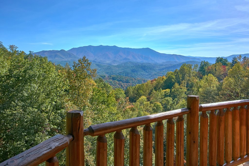 Photo of a Gatlinburg Cabin named Splash Mansion #500 - This is the fifth photo in the set.