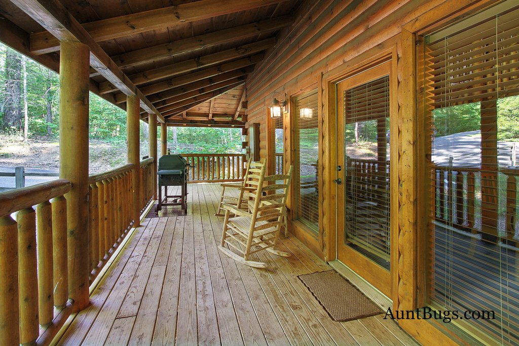 Photo of a Gatlinburg Cabin named Shamrock Lodge #215 - This is the eighth photo in the set.