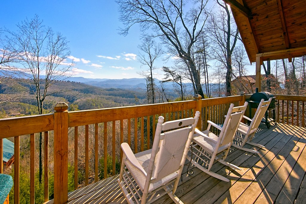 Photo of a Pigeon Forge Cabin named A View For All Seasons #405 - This is the fourth photo in the set.