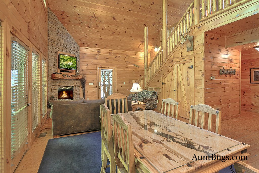 Photo of a Gatlinburg Cabin named Shamrock Lodge #215 - This is the sixth photo in the set.