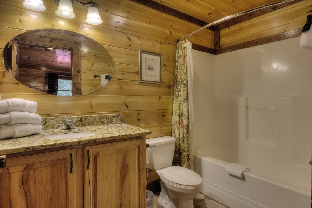 Photo of a Gatlinburg Cabin named Mystical Creek Pool Lodge #600 - This is the sixty-seventh photo in the set.