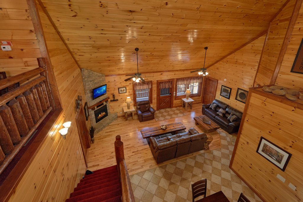 Photo of a Gatlinburg Cabin named Sweet Tranquility Pool Lodge - This is the tenth photo in the set.