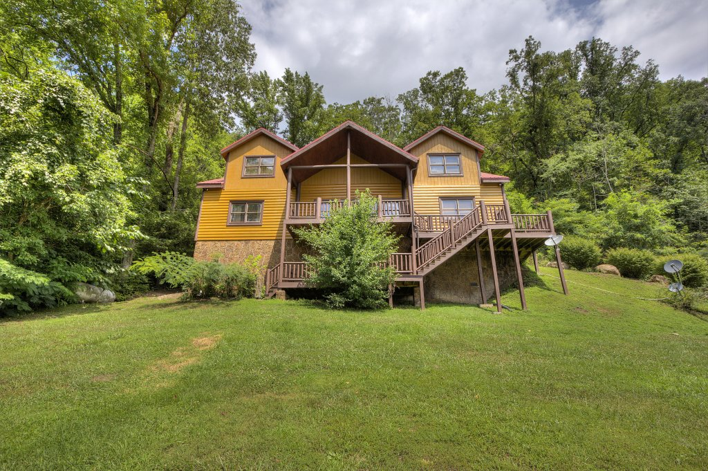 Photo of a Gatlinburg Cabin named Mystical Creek Pool Lodge #600 - This is the fiftieth photo in the set.