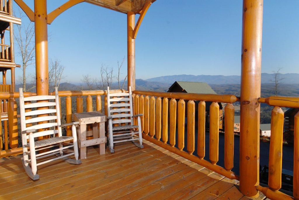 Photo of a Pigeon Forge Cabin named Tennessee Treasure #232 - This is the forty-seventh photo in the set.