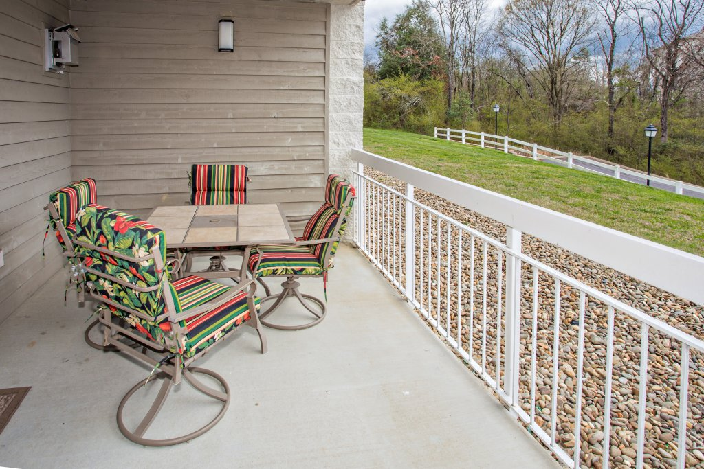 Photo of a Pigeon Forge Condo named Whispering Pines 413hc - This is the twenty-third photo in the set.