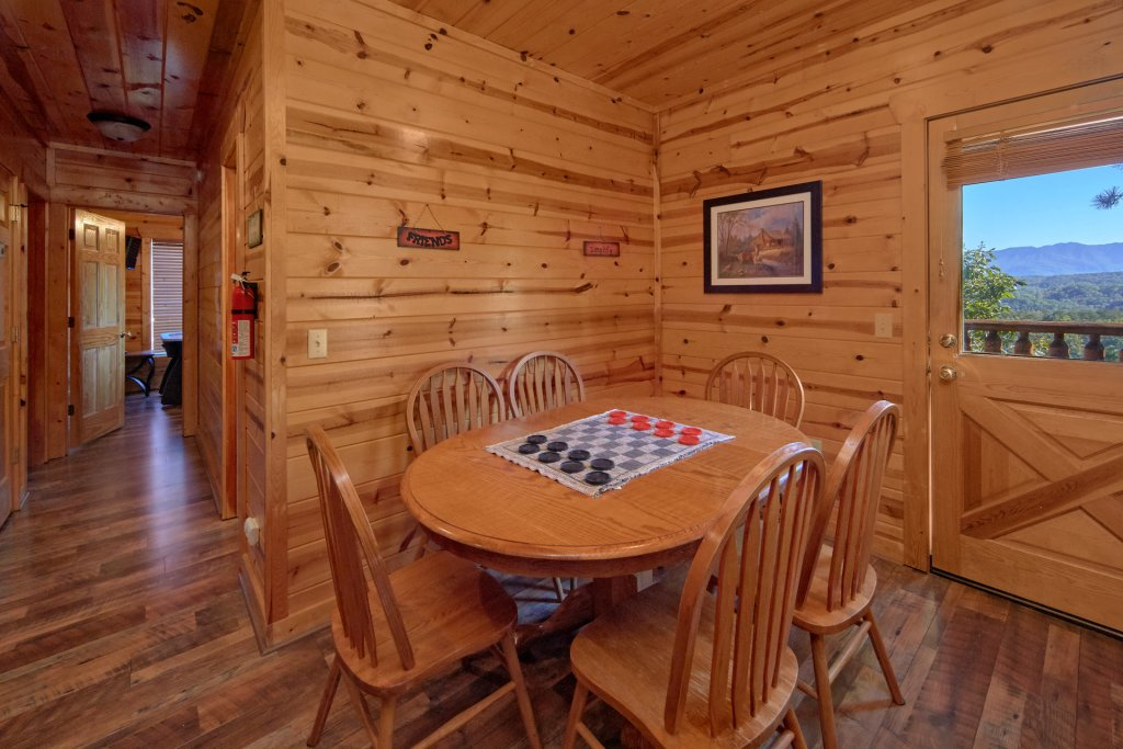 Photo of a Pigeon Forge Cabin named King's View - This is the sixteenth photo in the set.