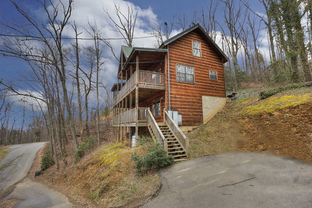 Photo of a Gatlinburg Cabin named Above It All  #446 - This is the fortieth photo in the set.