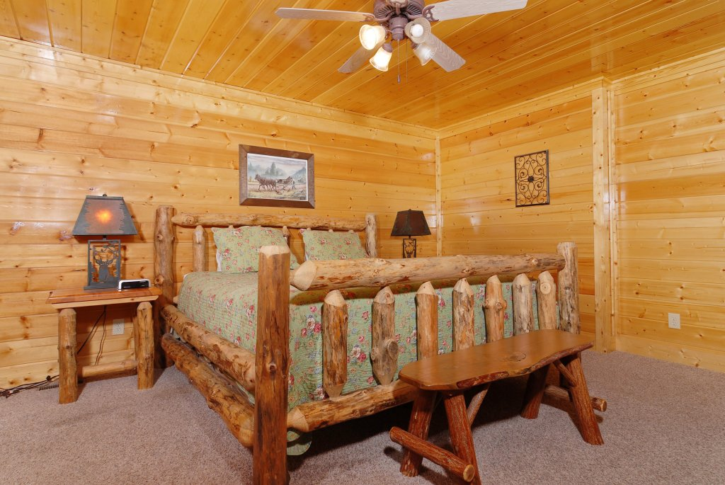 Photo of a Pigeon Forge Cabin named Tennessee Treasure #232 - This is the twenty-third photo in the set.