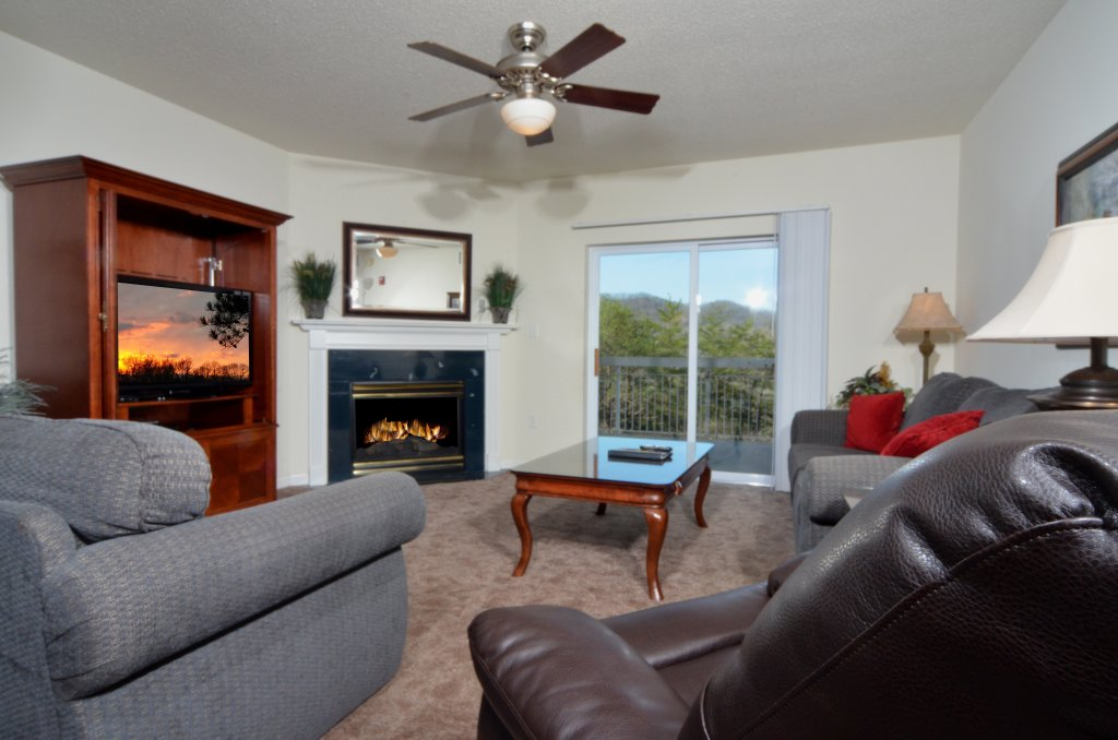 Photo of a Pigeon Forge Condo named Whispering Pines 621 - This is the first photo in the set.