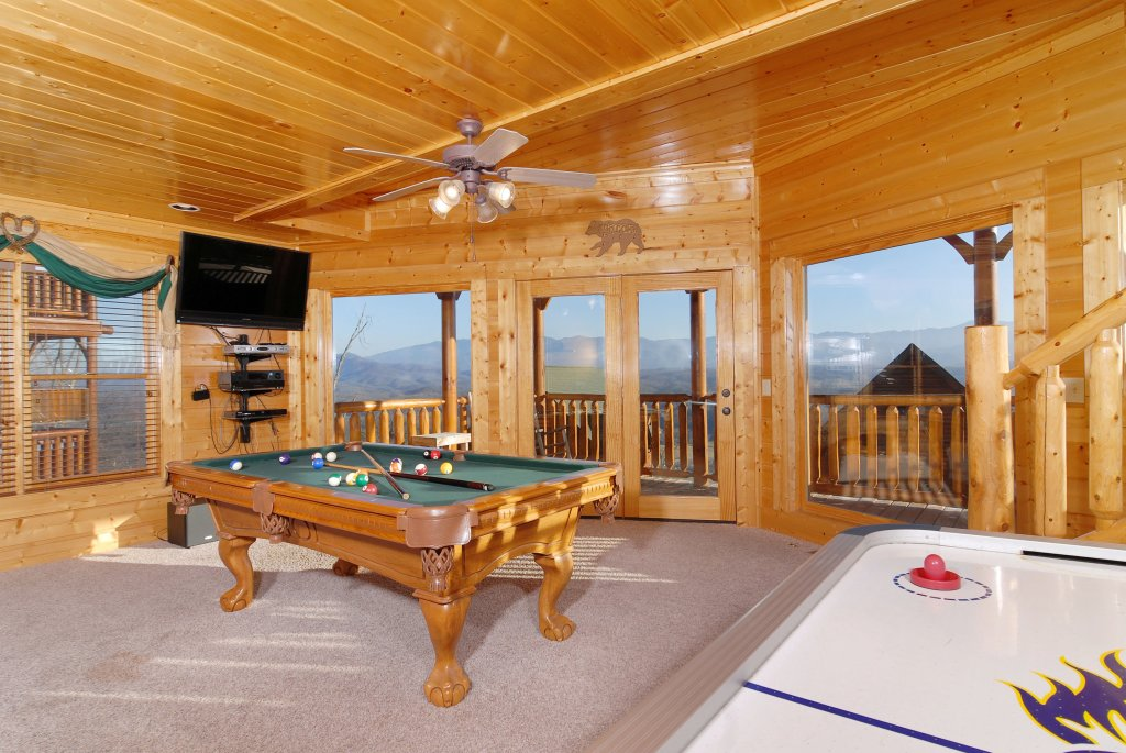 Photo of a Pigeon Forge Cabin named Tennessee Treasure #232 - This is the thirteenth photo in the set.