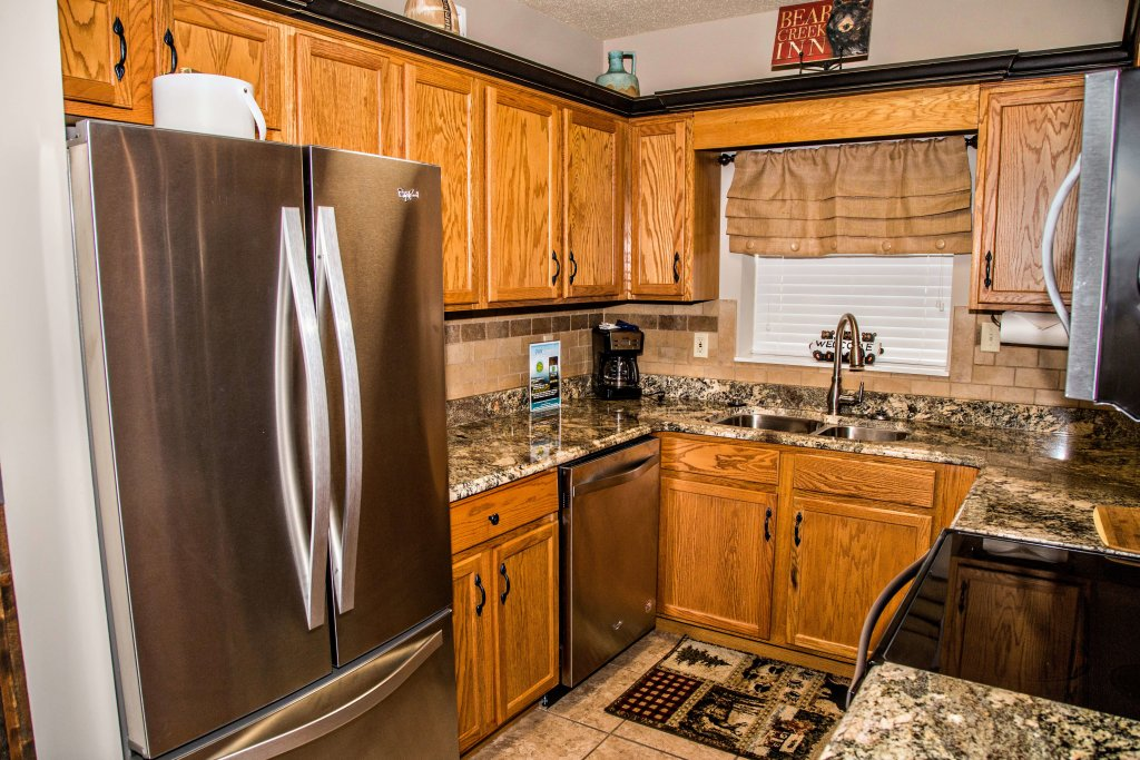 Photo of a Pigeon Forge Condo named Cedar Lodge 402 - This is the eleventh photo in the set.