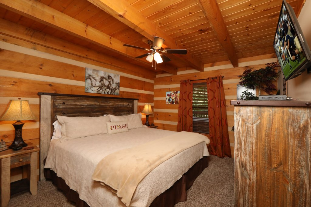Photo of a Gatlinburg Cabin named Sweet Serenity - This is the twenty-first photo in the set.