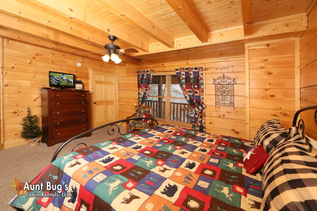 Photo of a Pigeon Forge Cabin named Absolutely Wonderful #304 - This is the fourteenth photo in the set.