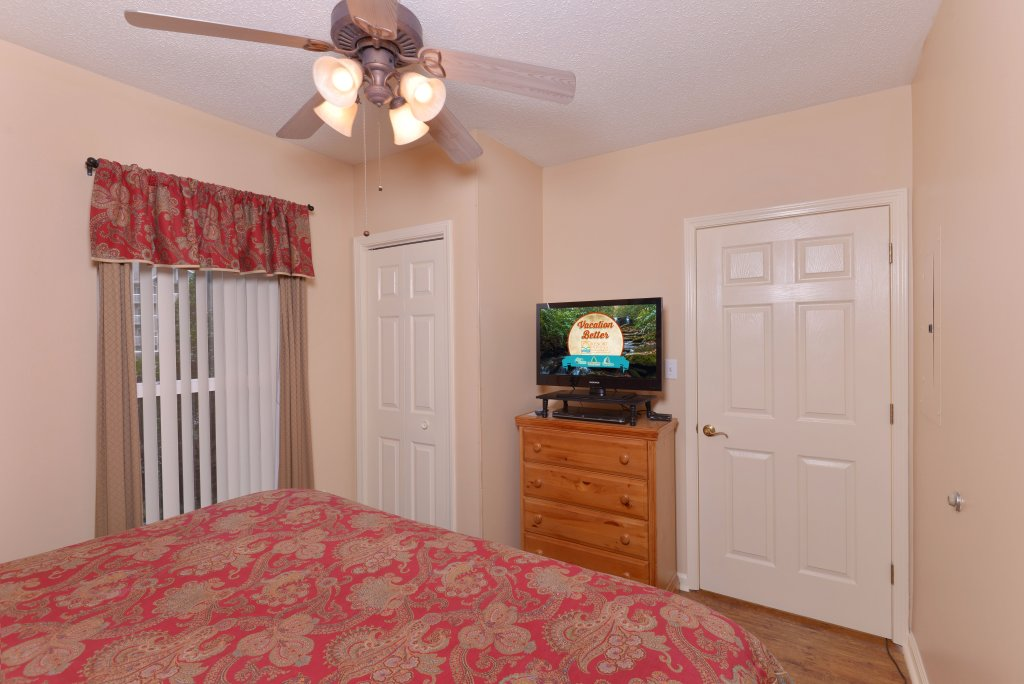 Photo of a Pigeon Forge Condo named Whispering Pines 411 - This is the twenty-first photo in the set.