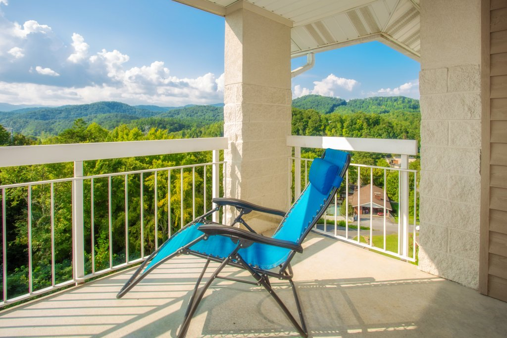 Photo of a Pigeon Forge Condo named Whispering Pines 453 - This is the first photo in the set.