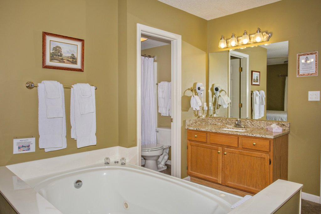 Photo of a Pigeon Forge Condo named Whispering Pines 453 - This is the twenty-second photo in the set.
