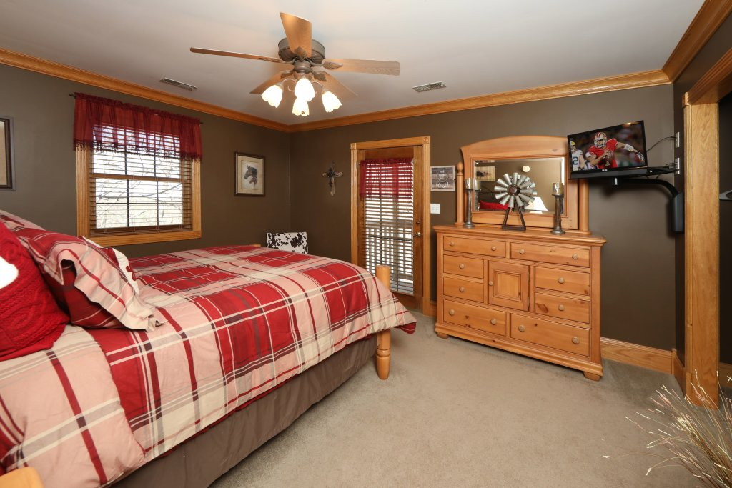 Photo of a Pigeon Forge Cabin named Haven Of Rest - This is the sixteenth photo in the set.