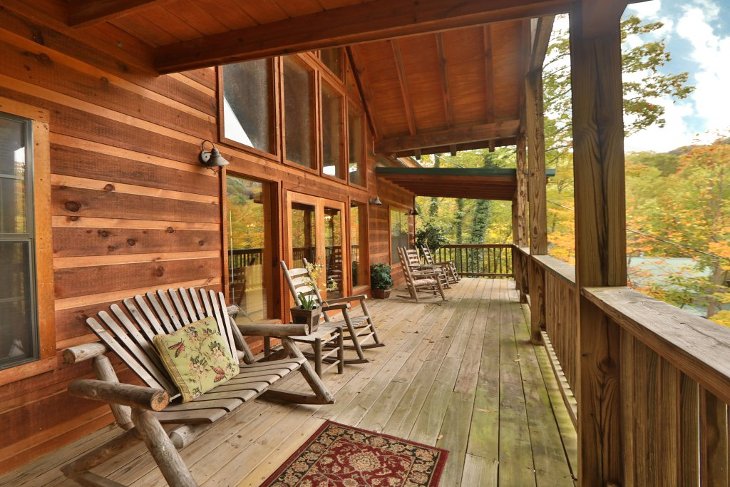 Photo of a Gatlinburg Cabin named Above It All  #446 - This is the fifteenth photo in the set.