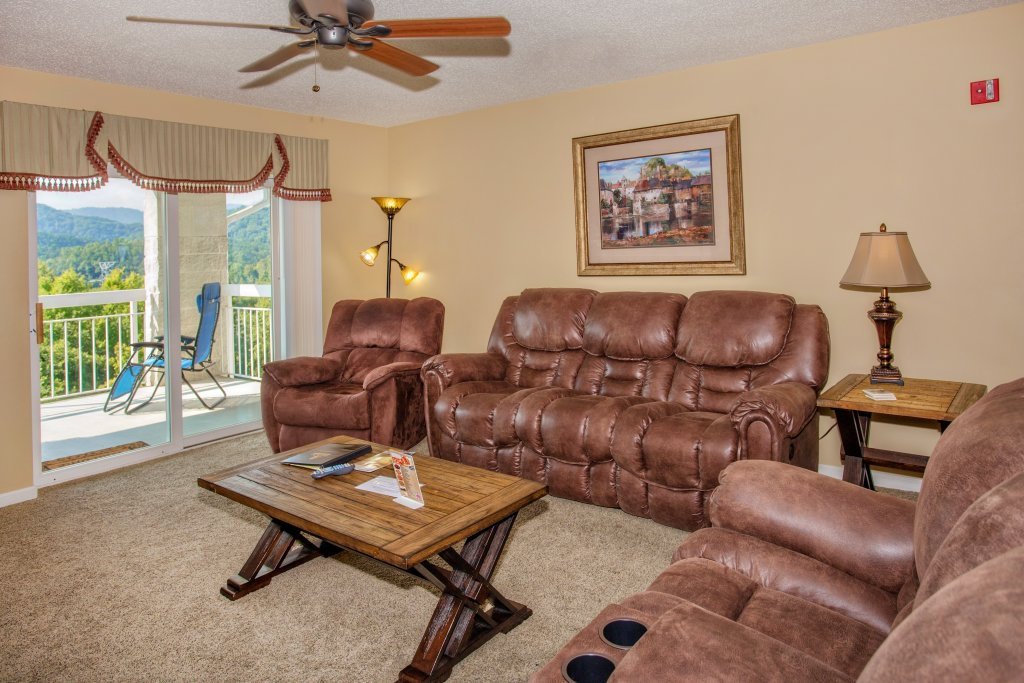 Photo of a Pigeon Forge Condo named Whispering Pines 453 - This is the nineteenth photo in the set.