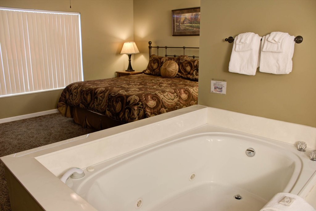 Photo of a Pigeon Forge Condo named Whispering Pines 443 - This is the twenty-second photo in the set.