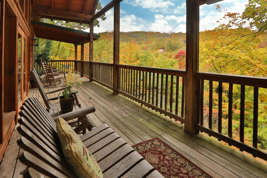Photo of a Gatlinburg Cabin named Above It All  #446 - This is the twelfth photo in the set.