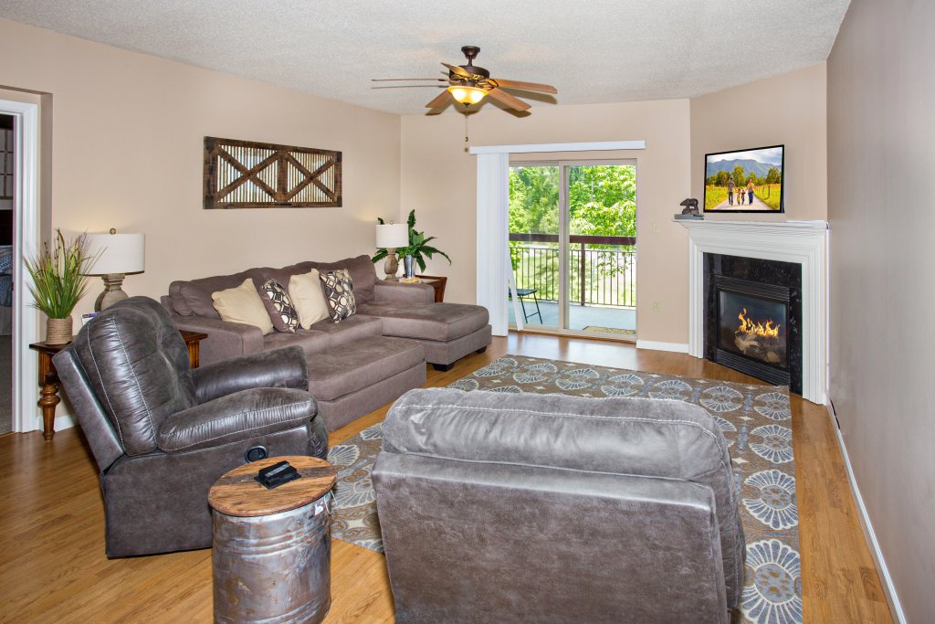 Photo of a Pigeon Forge Condo named Cedar Lodge 301 - This is the eighth photo in the set.