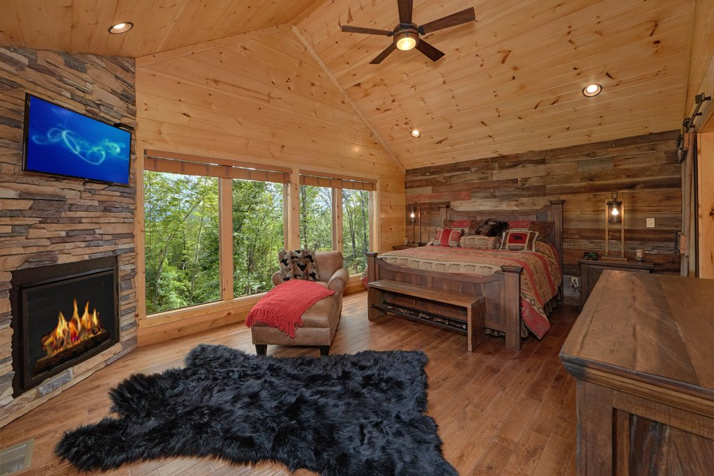 Photo of a Gatlinburg Cabin named Big Sky Lodge - This is the forty-ninth photo in the set.