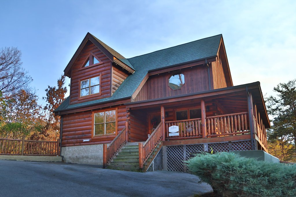 Photo of a Pigeon Forge Cabin named Mountain Blessings - This is the first photo in the set.