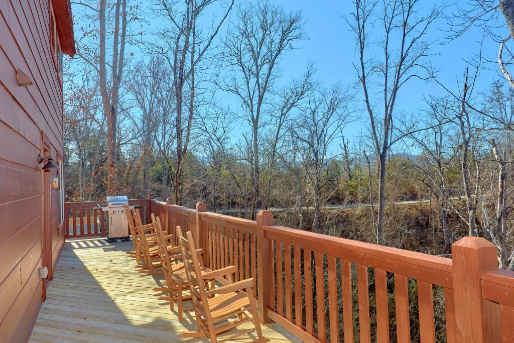 Photo of a Pigeon Forge Cabin named Alpine Pool Lodge - This is the thirty-second photo in the set.