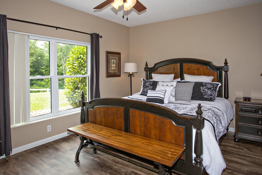 Photo of a Pigeon Forge Condo named Whispering Pines 314 - This is the sixteenth photo in the set.