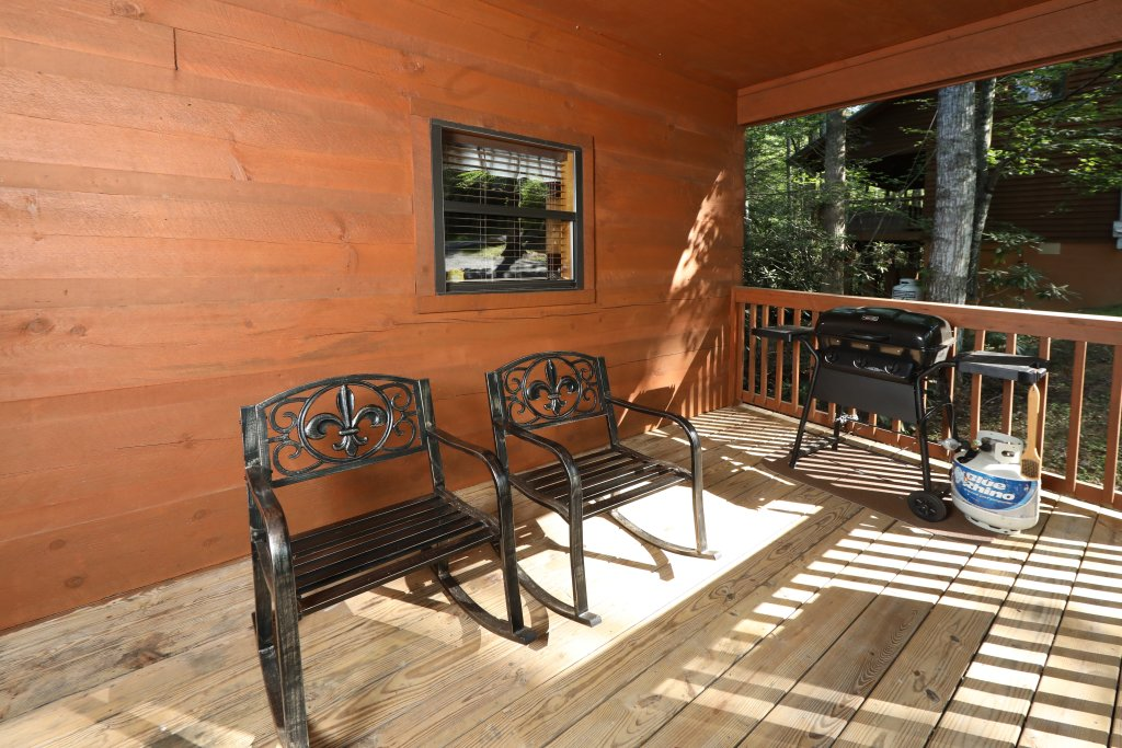 Photo of a Gatlinburg Cabin named Sweet Serenity - This is the fourth photo in the set.