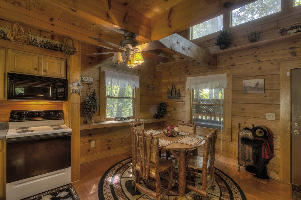 Photo of a Pigeon Forge Cabin named Smoky Mountain Memories #107 - This is the eighth photo in the set.