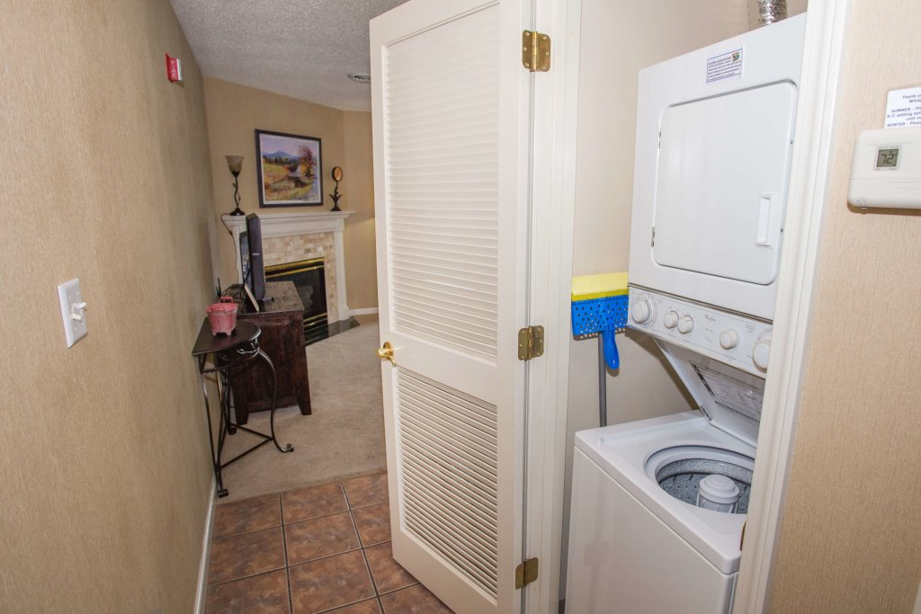 Photo of a Pigeon Forge Condo named Whispering Pines 451 - This is the sixteenth photo in the set.