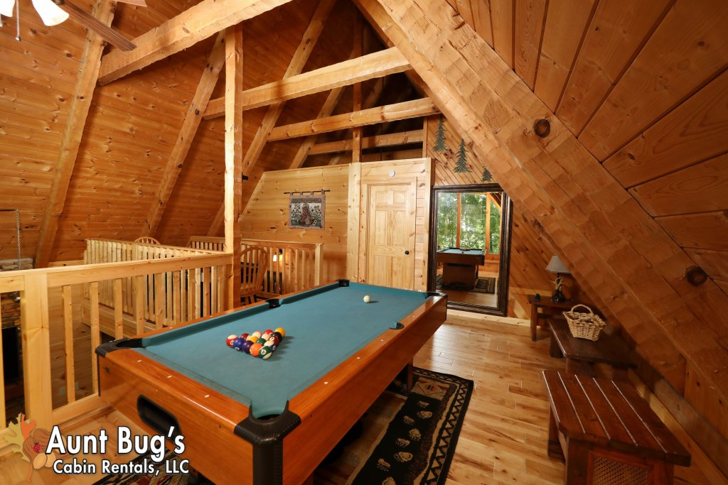 Photo of a Sevierville Cabin named A Secluded Retreat #216 - This is the fifth photo in the set.