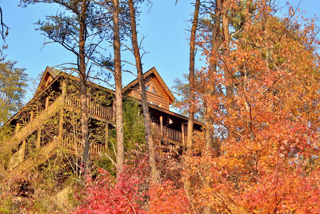 Photo of a Pigeon Forge Cabin named Mountain Blessings - This is the third photo in the set.
