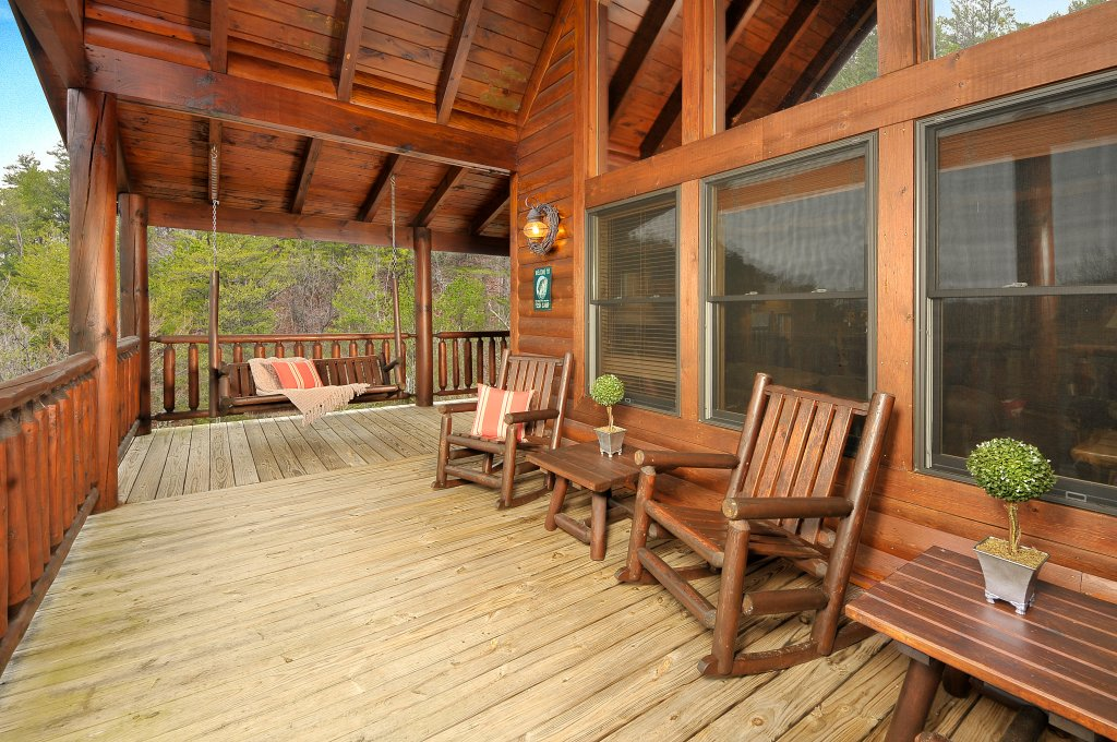 Photo of a Sevierville Cabin named Majestic Sunset Lodge - This is the thirteenth photo in the set.