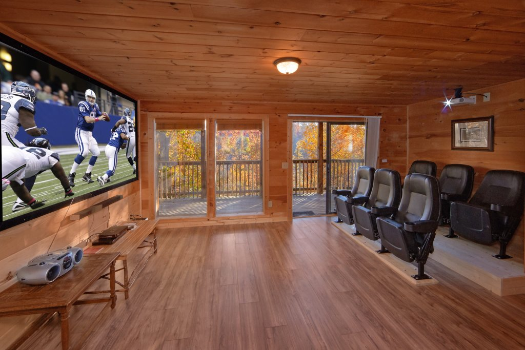 Photo of a Pigeon Forge Cabin named Big Pine Lodge - This is the first photo in the set.