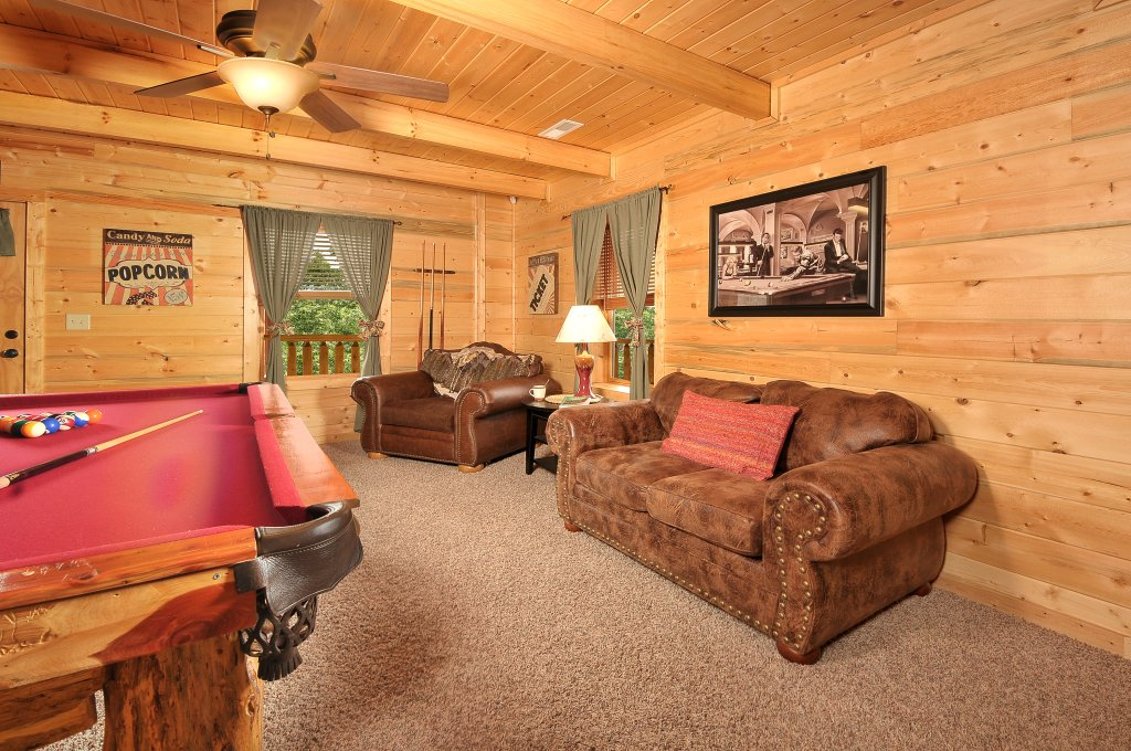 Photo of a Sevierville Cabin named Majestic Sunset Lodge - This is the thirty-fourth photo in the set.