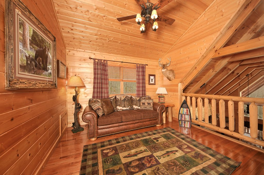 Photo of a Sevierville Cabin named Majestic Sunset Lodge - This is the thirty-second photo in the set.