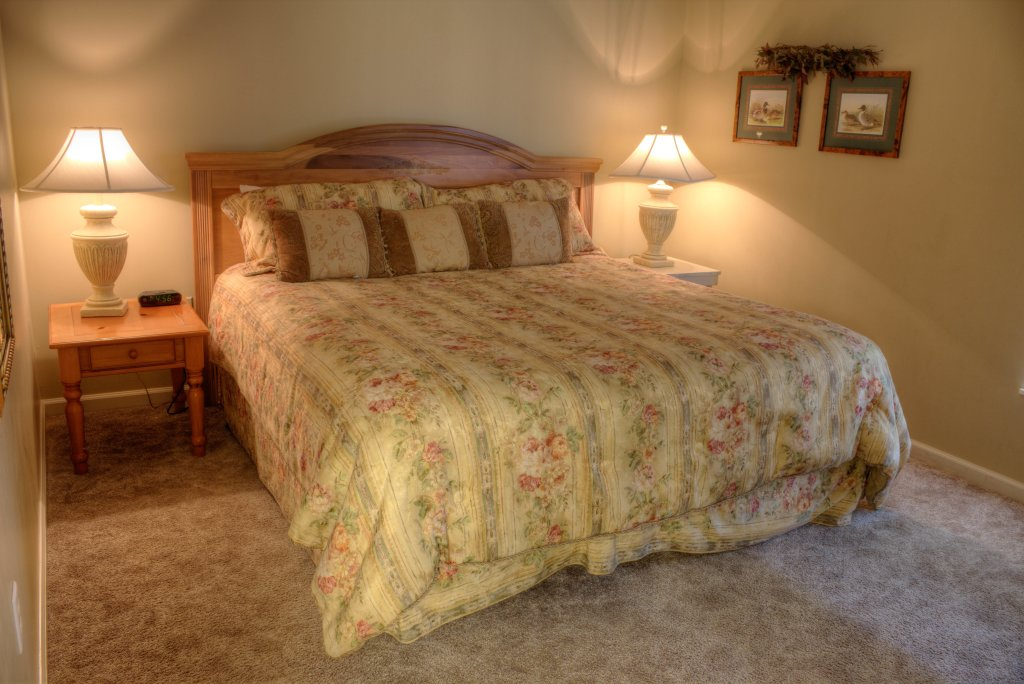Photo of a Pigeon Forge Condo named Whispering Pines 334 - This is the twenty-sixth photo in the set.
